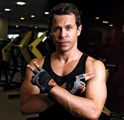 Актер павел деревянко: «занятия спортом мне жизненно необходимы»